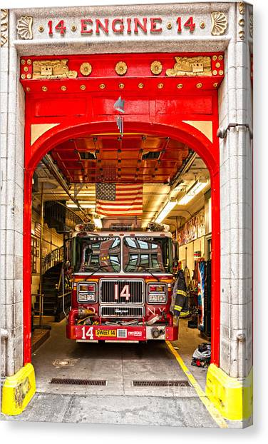 New York Fire Department Engine 14 Canvas Print