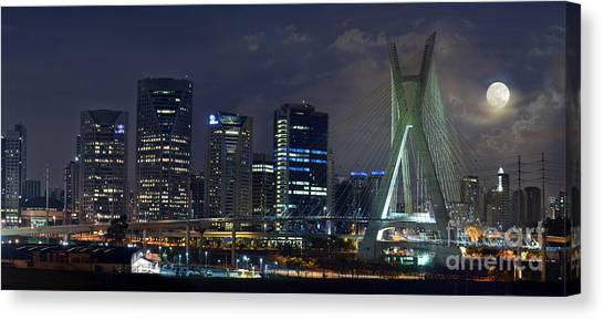 Supermoon In Sao Paulo - Brazil Skyline Canvas Print