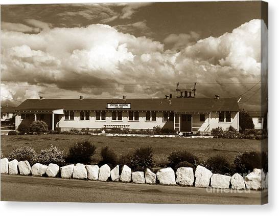 The Fort Ord Station Hospital Administration Building T-3010 Building Fort Ord Army Base Circa 1950 Canvas Print