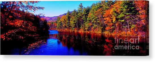 White Mountians National Park Red Eagle Pond New Hampshire Canvas Print