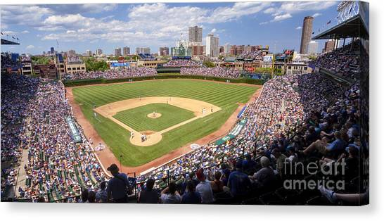 0100 Wrigley Field - Chicago Illinois Canvas Print