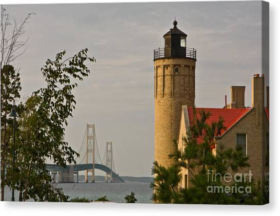 0558 Old Mackinac Point Lighthouse Canvas Print