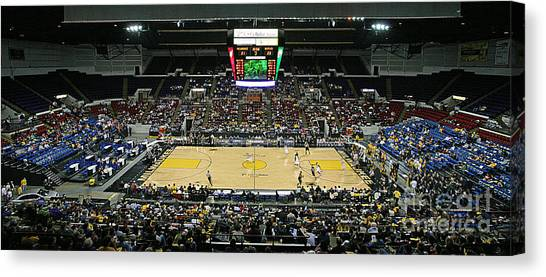University Of Wisconsin - Madison Canvas Print - 0608 U.s. Cellular Arena Milwaukee by Steve Sturgill