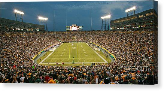 0614 Prime Time At Lambeau Field Canvas Print