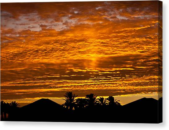 1 Awsome Sunset Canvas Print