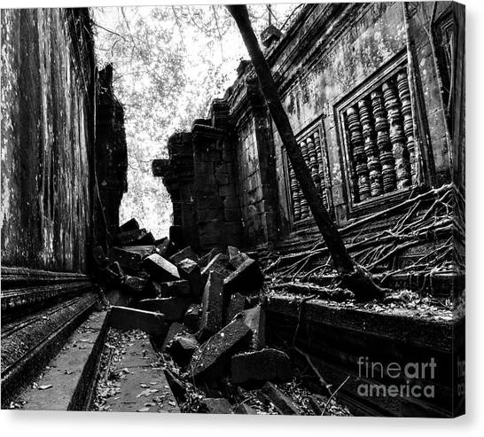 Canvas Print featuring the photograph Beng Mealea by Julian Cook