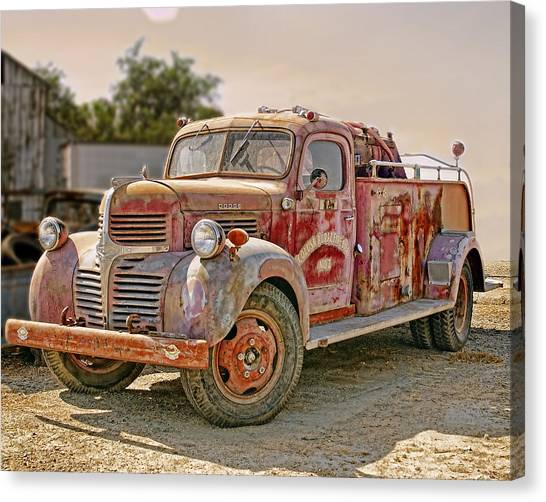 Canvas Print featuring the photograph Calusa Rural Fire Truck No2 by William Havle