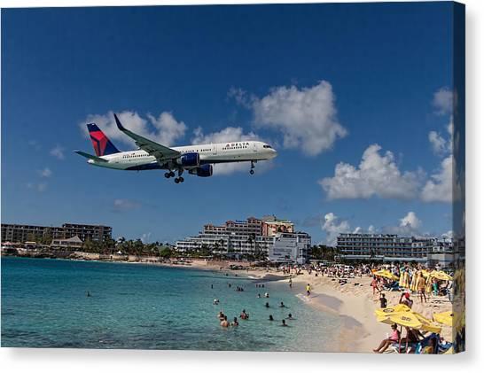 Delta Air Lines Landing At St Maarten Canvas Print