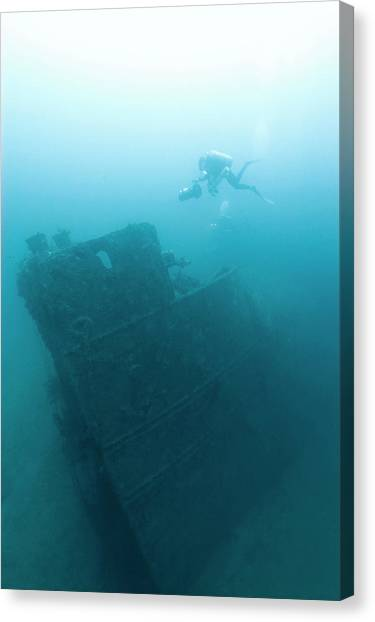 Diver At 'northern Light' Shipwreck Canvas Print by Noaa