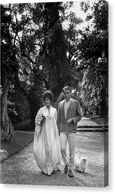Elizabeth Taylor Canvas Print - Elizabeth Taylor And Richard Burton by Henry Clarke