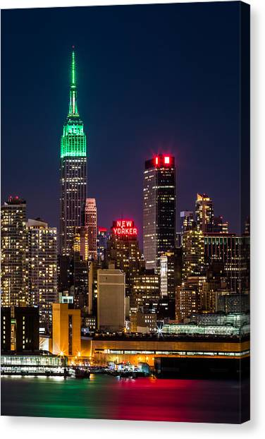 Empire State Building On Saint Patrick's Day Canvas Print