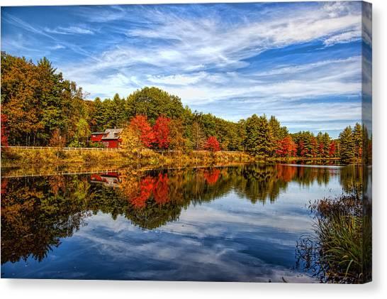 Fall In New England Canvas Print by Bennie Thornton
