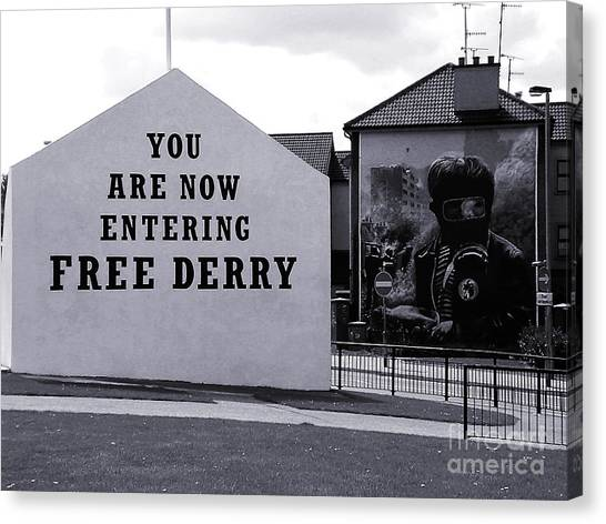 Free Derry Corner 7 Canvas Print