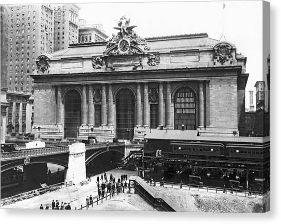 Utility Canvas Print - Grand Central Station by Underwood Archives