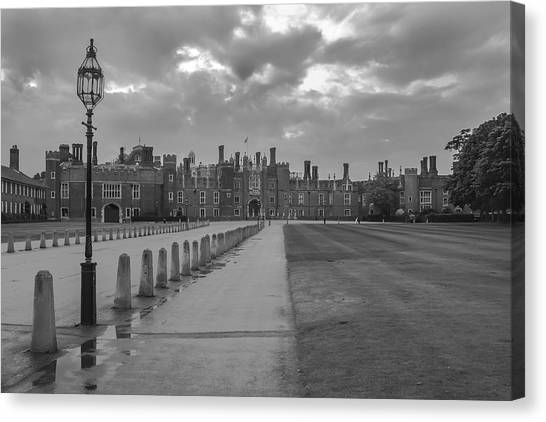 Hampton Court Canvas Print