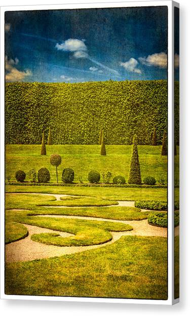 Hampton Court 'the Privy Garden Canvas Print