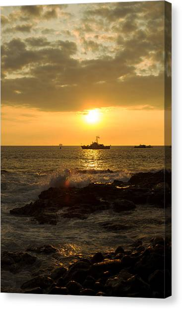 Hawaiian Waves At Sunset Canvas Print