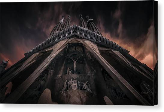 Church Canvas Print - La Sagrada Famila?a by Ole Moberg Steffensen
