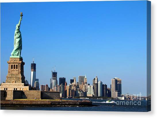 Lady Liberty Watches 1wtc Rise Canvas Print