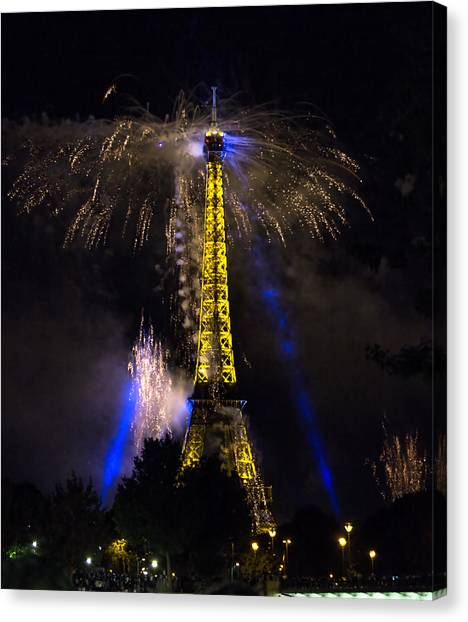 Paris - July Famous Fireworks Near Eiffel Tower During Celeb Canvas Print