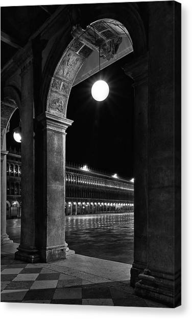 Piazza San Marco 2 Canvas Print