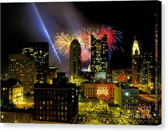 21l334 Red White And Boom Fireworks Display Photo Canvas Print