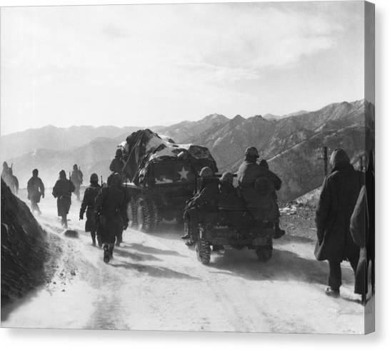 United States Army Air Corps Canvas Print - Retreat From Chosin Reservoir by Underwood Archives