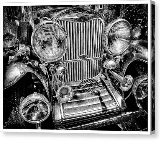 Scully Lincoln Bw Canvas Print