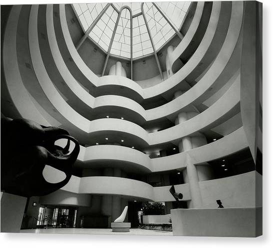 The Guggenheim Museum In New York City Canvas Print by Eveyln Hofer