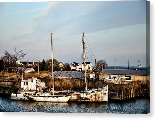 Crabbing Canvas Print - Tilghman Island Maryland by Bill Cannon
