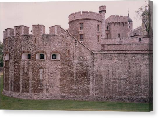Tower Of London Canvas Print - Tower Of London England by Lisa Travis