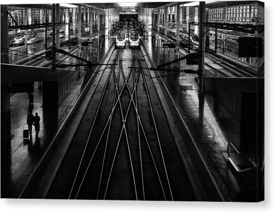 Madrid Canvas Print - Train Station by Anderson Miranda