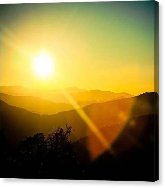 Sunrise Horizon Canvas Print - Рассвет в Гималаях by Raimond Klavins