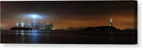 New York City Canvas Print by Songquan Deng