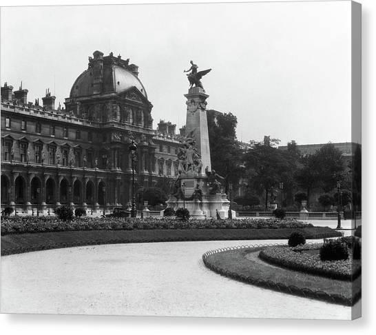 Le Louvre Canvas Print - 1930s Le Louvre Museum And Gardens by Vintage Images