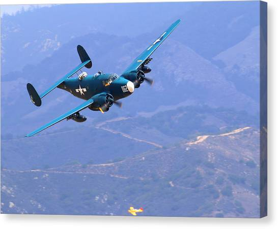 1944 Lockheed Pv-2 Harpoon Pays A Visit At The Salinas Air Show Canvas Print