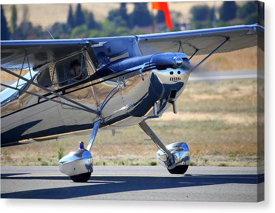 1947 Cessna 140 A Little Closer N4151n Canvas Print