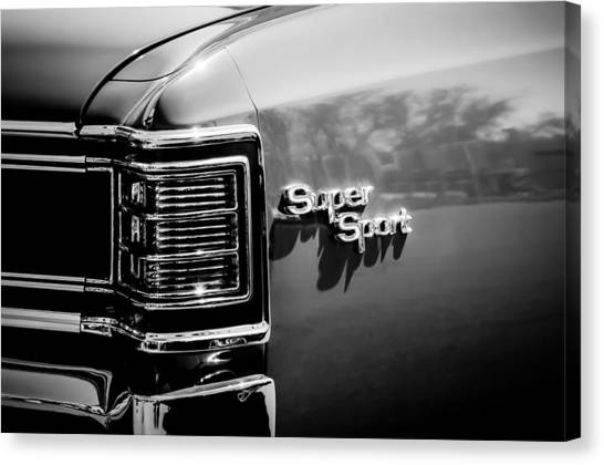 Chevelle Canvas Print - 1967 Chevrolet Chevelle Ss Taillight Emblem -0468bw by Jill Reger