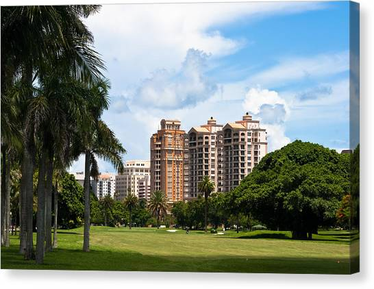 1st Hole At Granada Golf Course Canvas Print