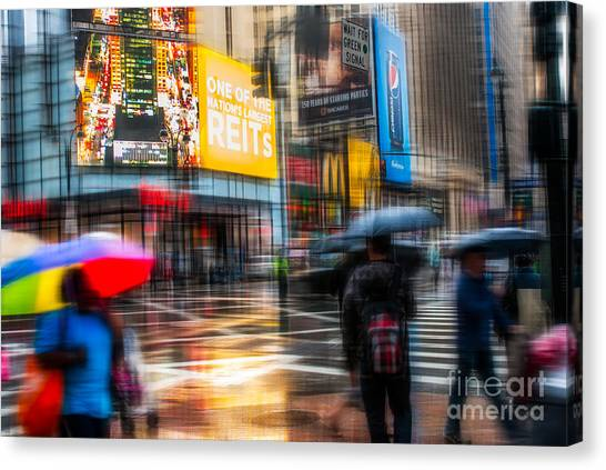 A Rainy Day In New York Canvas Print