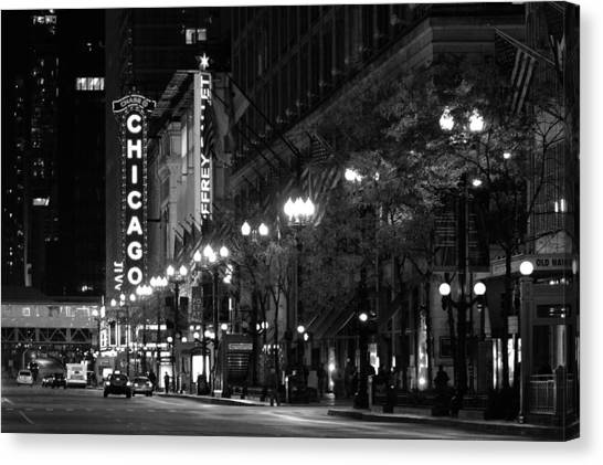 Chicago Theatre At Night Canvas Print