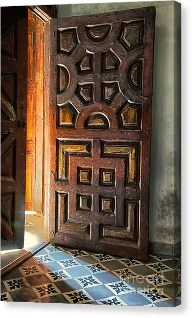 Church Entrance In San Miguel De Allende Canvas Print