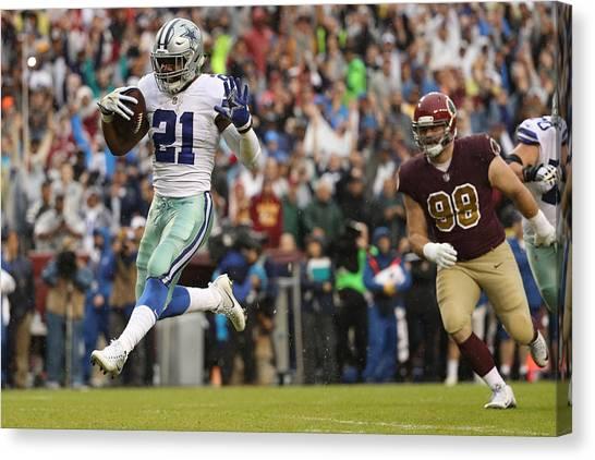 Dallas Cowboys V Washington Redskins Canvas Print by Patrick Smith