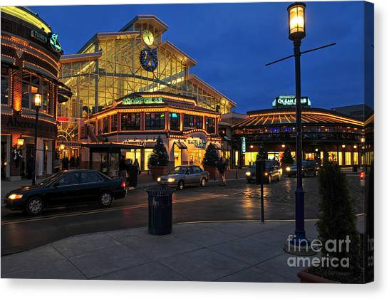 D65l-120 Easton Town Center Photo Canvas Print