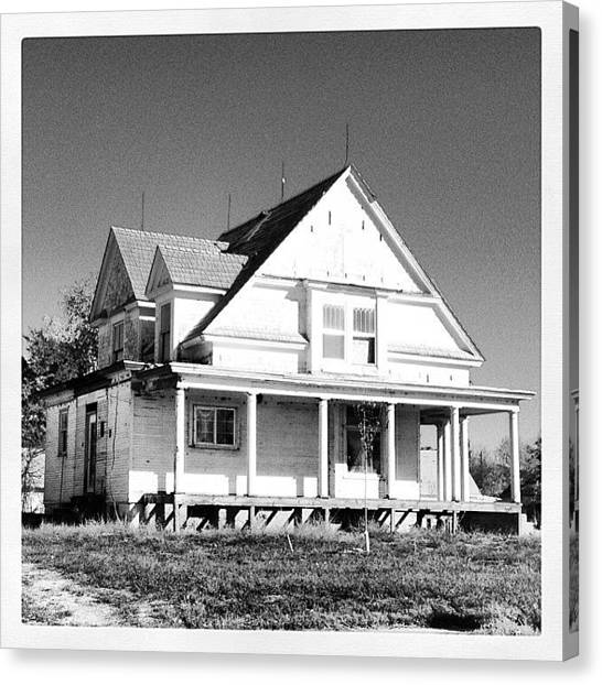 White House Canvas Print - Guernsey Wy by M Hunter