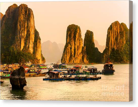 Halong Bay - Vietnam Canvas Print