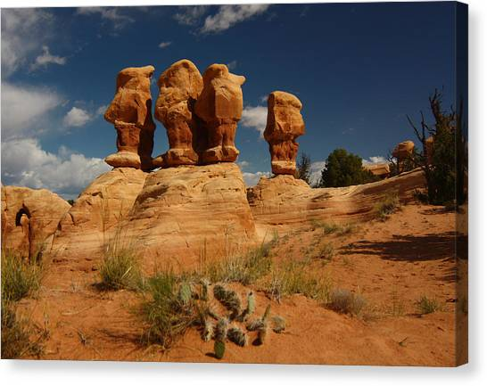 Hoodoos In Devils Garden In Grand Staircase Escalante National Monument Canvas Print