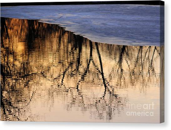 Isles Reflections Canvas Print