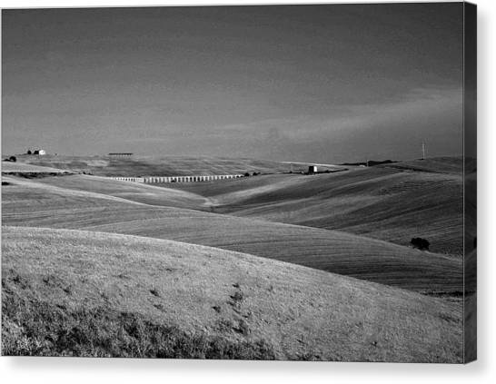Tarquinia Landscape Campaign With Aqueduct Canvas Print