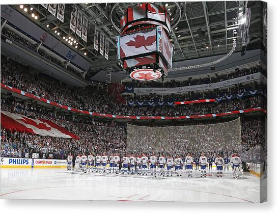 Montreal Canadiens V Toronto Maple Leafs Canvas Print by Claus Andersen